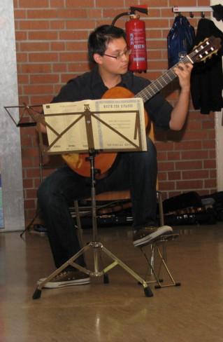 Gitarrenschueler Musikstudio Hartmann